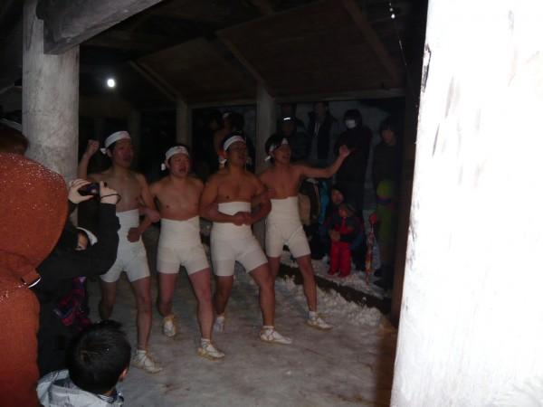 裸押し合い祭り